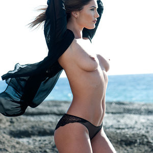 India Reynolds Sexy & Topless – Page3 (4 Photos) - Leaked Nudes