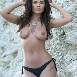 India Reynolds Topless (3 Photos) – Leaked Nudes