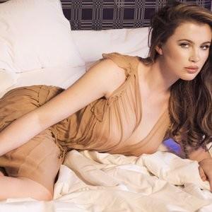 Ireland Baldwin Sexy & Topless (3 Photos) – Leaked Nudes