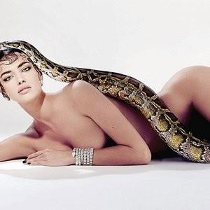 Irina Shayk Nude (2 Photos) – Leaked Nudes