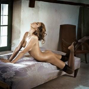 Irina Shayk Topless (9 Photos) – Leaked Nudes