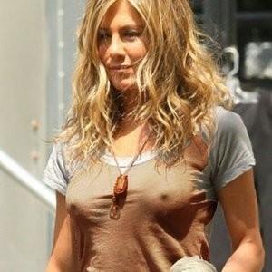 Famous Nude Jennifer Aniston 004 pic