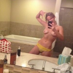Jennifer Lawrence Naked (1 Photo) – Leaked Nudes