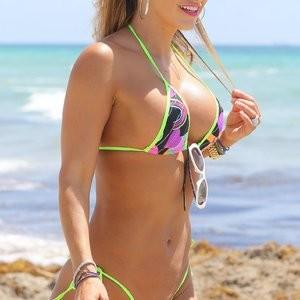 Jennifer Nicole Lee in a Bikini (8 Photos) – Leaked Nudes