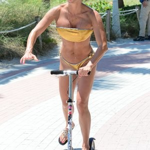 Celebrity Nude Pic Jennifer Nicole Lee 015 pic