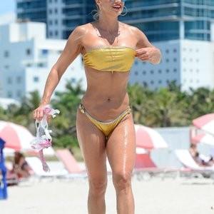Naked celebrity picture Jennifer Nicole Lee 029 pic