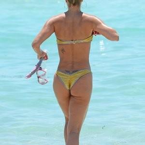 celeb nude Jennifer Nicole Lee 036 pic