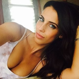 Jessica Lowndes Cleavage (1 New Photo) - Leaked Nudes