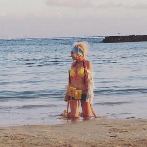 Famous Nude Jessica Nigri 009 pic