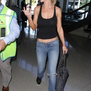 Joanna Krupa Braless (4 Photos) – Leaked Nudes