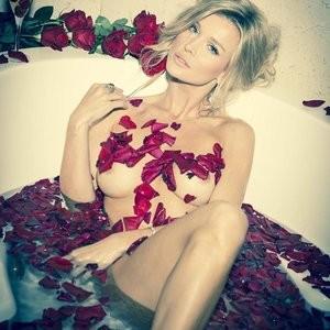 Joanna Krupa Nude (1 Photo) – Leaked Nudes