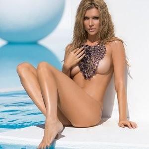 Celebrity Naked Joanna Krupa 001 pic
