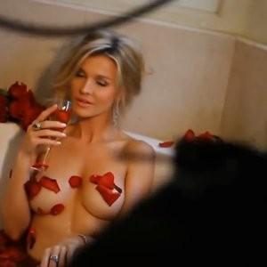 Real Celebrity Nude Joanna Krupa 037 pic