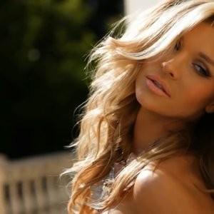 Celeb Nude Joanna Krupa 062 pic