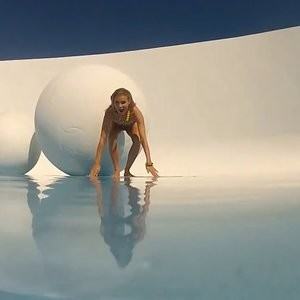 Naked Celebrity Joanna Krupa 107 pic