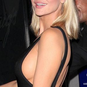 Joanna Krupa Sideboob (3 Photos) – Leaked Nudes