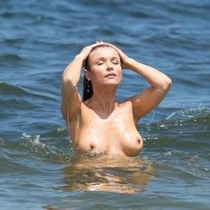 Joanna Krupa Topless (12 Photos) – Leaked Nudes