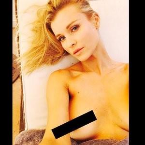 Joanna Krupa Topless (2 Photos) – Leaked Nudes