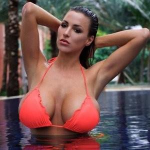 Celebrity Nude Pic Jordan Carver 009 pic