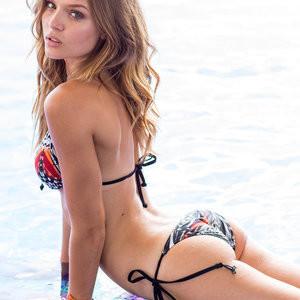 Free nude Celebrity Josephine Skriver 003 pic