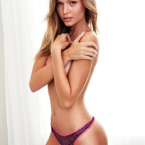 Naked celebrity picture Josephine Skriver 007 pic