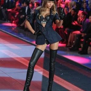 nude celebrities Josephine Skriver 001 pic