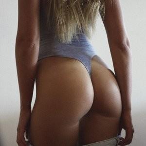 nude celebrities Kahili Blundell 002 pic