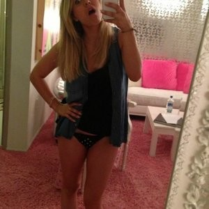 Kaley Cuoco New Leaked Photos - Leaked Nudes