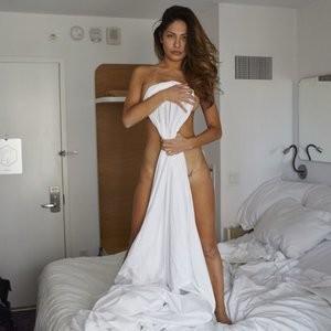 Famous Nude Kat Kelley 014 pic