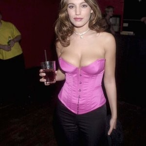 Kelly Brook Cleavage (2 Photos) - Leaked Nudes