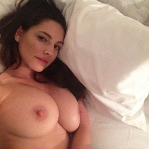 Celeb Nude Kelly Brook 012 pic