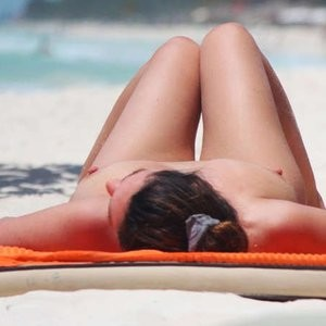 nude celebrities Kelly Brook 002 pic