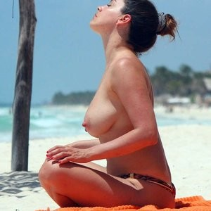 Nude Celebrity Picture Kelly Brook 003 pic