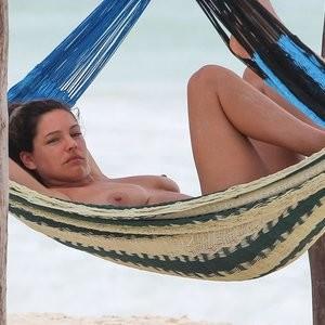 Best Celebrity Nude Kelly Brook 013 pic