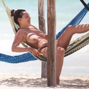 Free Nude Celeb Kelly Brook 014 pic