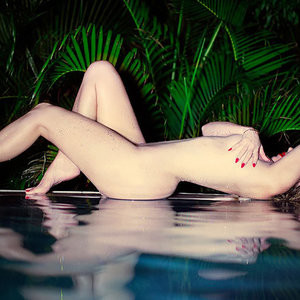 Khloé Kardashian Nude (2 New Photos) - Leaked Nudes