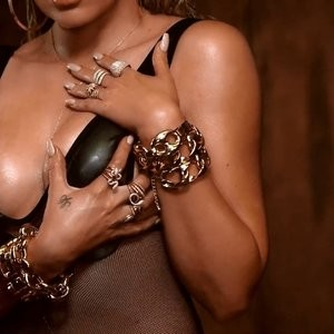 Nude Celeb Pic Khloé Kardashian 006 pic