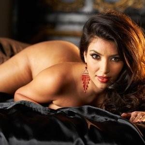 Celeb Naked Kim Kardashian 008 pic
