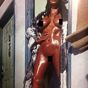 Kim Kardashian Naked (2 New Photos) – Leaked Nudes