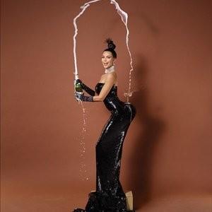 Free nude Celebrity Kim Kardashian 004 pic