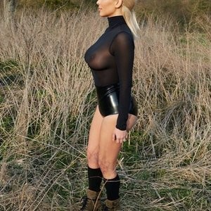 Kim Kardashian See Through (5 Photos) – Leaked Nudes