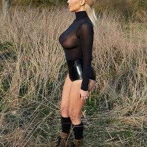 celeb nude Kim Kardashian 001 pic