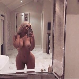 Kim Kardashian Uncensored Selfie (1 Photo) – Leaked Nudes