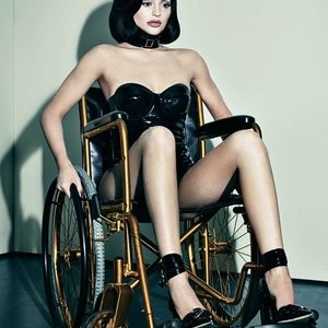Free nude Celebrity Kylie Jenner 003 pic