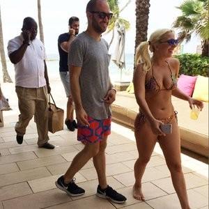 Free Nude Celeb Lady Gaga 014 pic