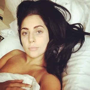 Naked Celebrity Lady Gaga 002 pic