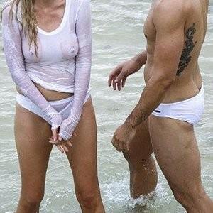 Nude Celebrity Picture Lara Stone 023 pic