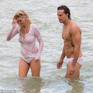 Celebrity Leaked Nude Photo Lara Stone 024 pic