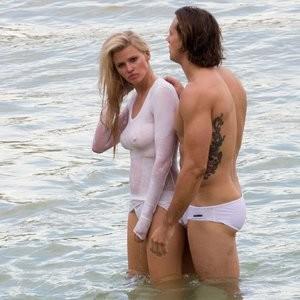 Celeb Nude Lara Stone 009 pic