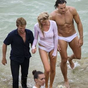 nude celebrities Lara Stone 036 pic